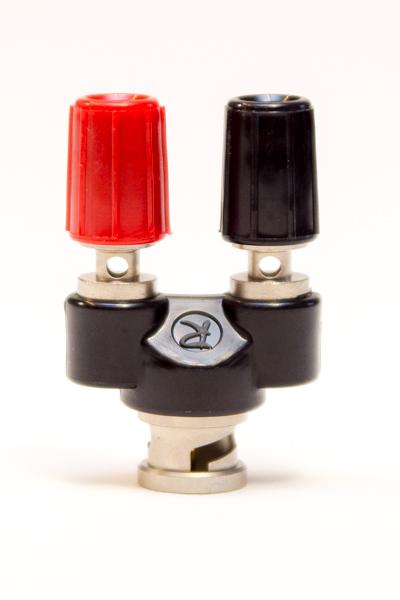 Adapter BNC hane/skruvklämma